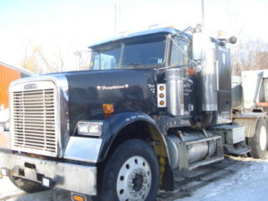 HEAVY SPEC 2005 FREIGHTLINER CLASSIC 14.6 FRONT 46 REARS WITH LOCKS ONLY 300000 MILES